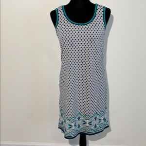 Max studio geometric print navy white sleeveless